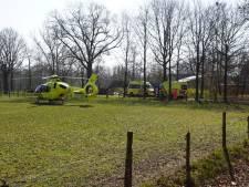 Man uit Neede ernstig gewond na val andere man uit hoogwerker