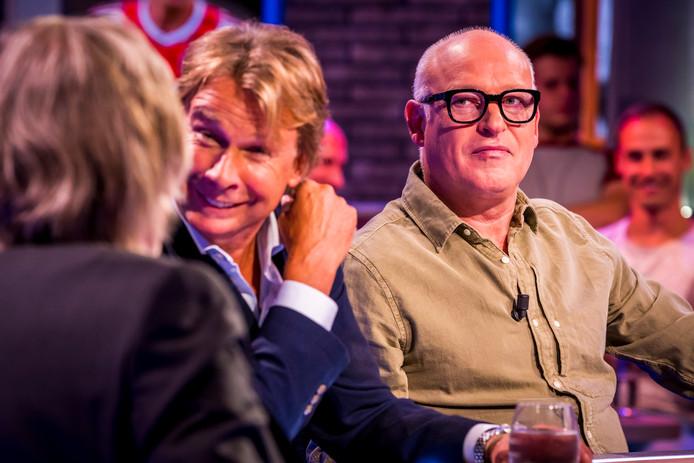 René van der Gijp (rechts) hoopt geld op te halen voor de G-voetbalteams van VEP uit Woerden.
