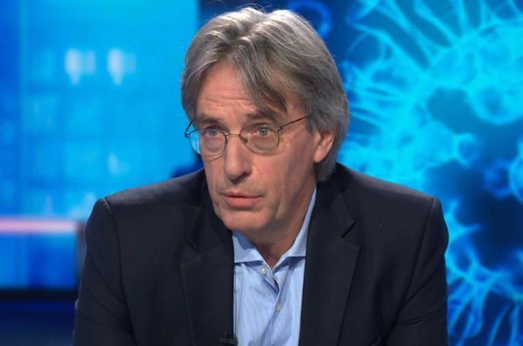 Professor Herman Goossens, als microbioloog aan het Universitair Ziekenhuis Antwerpen (UZA).