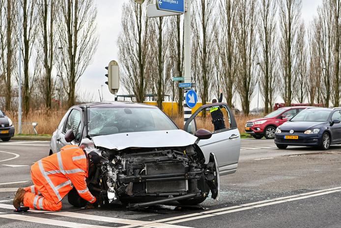 Ongeluk op de Wagenbergse Baan in Terheijden.