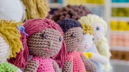 PREVIEW. 'Make Belgium Great Again' deelt 980 popjes uit, symbool voor de 980 kinderen die in ons land op een pleeggezin wachten