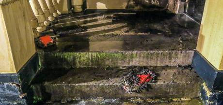 Brandstichter laat bh én briefje achter in Helmondse portiek met woorden 'familie' en 'brand'