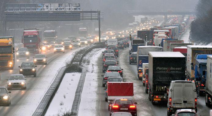 Vooral op de Duitse autowegen naar de sneeuwgebieden wordt dit weekend veel drukte verwacht.
