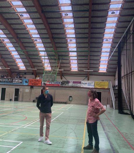 Les travaux d'éclairage de complexes sportifs carolos ont repris, l'un est même terminé