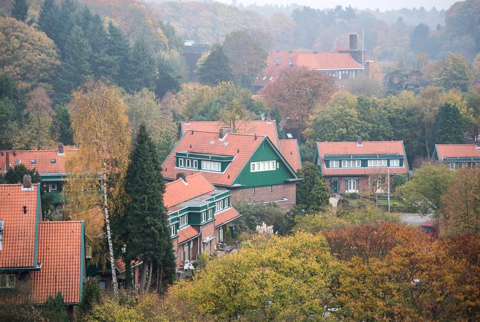 Huizen van de Woningbouwvereniging voor Ambtenaren te Arnhem aan het Goeman Borgesiusplein.