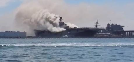 Grote brand op Amerikaans marineschip in haven van San Diego