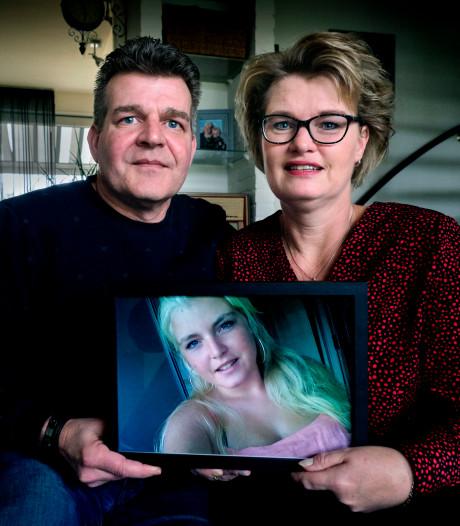 Rianne (16) zakte op de kermis in elkaar en werd niet meer wakker: 'Ze was ons zonnestraaltje'