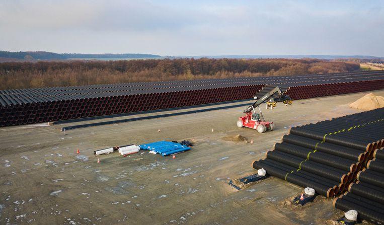Opslag van de pijpen voor de Nord Stream 2 in Mukran Beeld Wendelmoet Boersema
