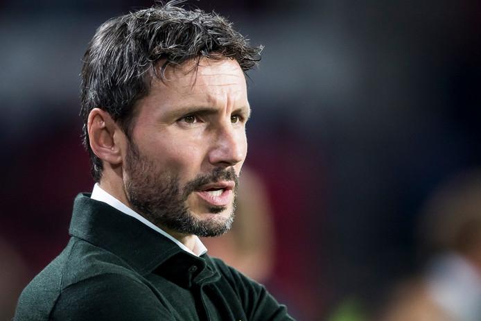 Mark van Bommel, dinsdag precies 100 dagen trainer van PSV.