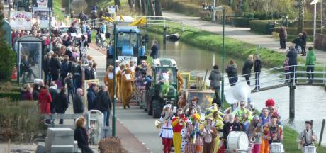 Botbreuken door val van Cothense carnavalswagen