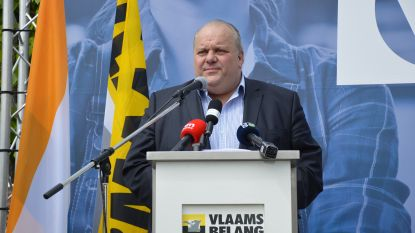 """Vlaams Belang houdt nationale 1 mei-manifestatie in Ninove: """"Welkom in Vlaams Belang-city"""""""
