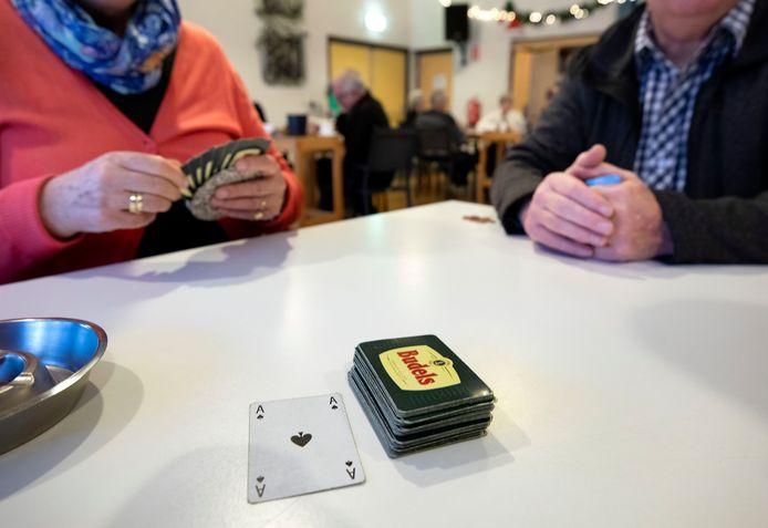 Er komen snel meer activiteitenclubs voor senioren in Lingewaard. De gemeente wil meeliften en op kosten besparen.