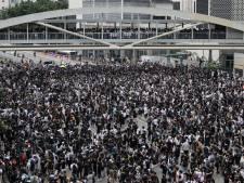 Betogers omringen regeringsgebouw bij aanhoudende protesten Hongkong