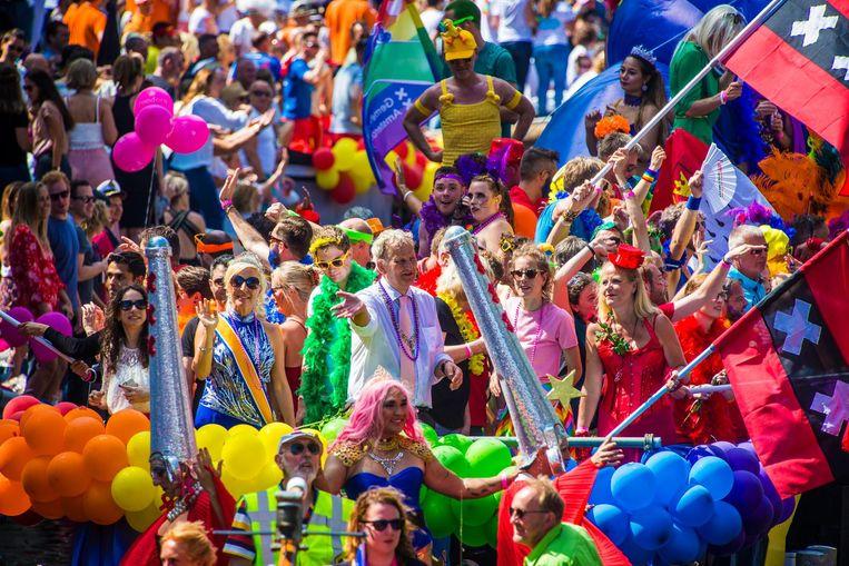Van der Laan tijdens Gay Pride 2016 Beeld Maarten Brante