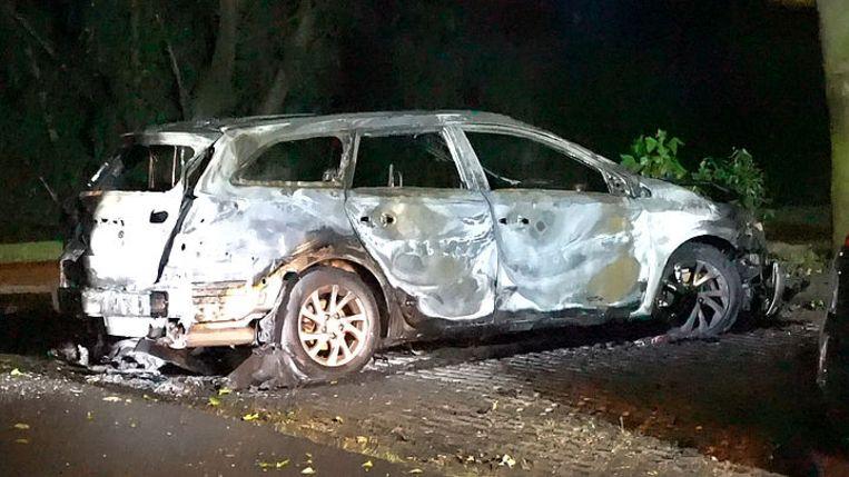 De uitgebrande Toyota Auris.  Beeld Opsporing Verzocht