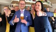 """In Kortrijk drinkt Vlaams Belang een Paljas-biertje: """"Sneer naar De Wever"""""""