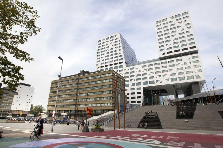 Het Jaarbeursplein met het nieuwe stadskantoor. Beeld anp