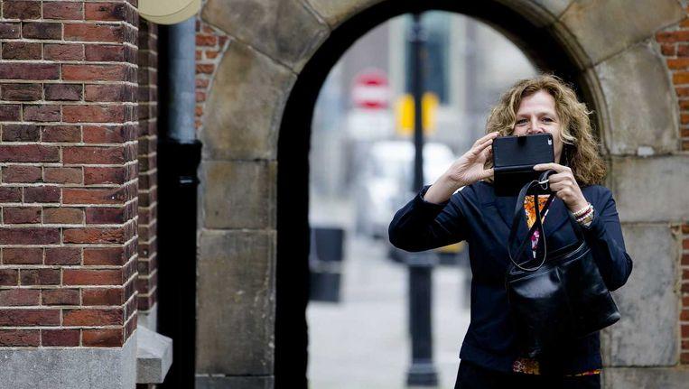 Minister Edith Schippers arriveert op het Binnenhof voor de wekelijkse ministerraad. Beeld anp