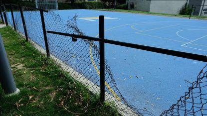 Multifunctionele sportterreinen krijgen 'vandalismebestendige' omheining na aanhoudend vandalisme