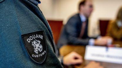 Douane Rotterdam vindt halve ton cocaïne in bestelwagen