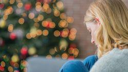Zo voorkom je dat je je eenzaam voelt met de feestdagen