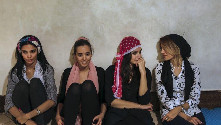 Moderne meiden in Teheran. Beeld Newsha Tavakolian / Magnum