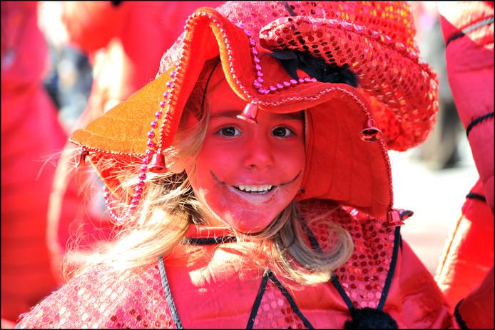 De carnavalsoptocht in Ottersum. Omroep GennepNews laat dit jaar allen beelden zien via Facebook. Volgend jaar mogelijk ook via de kabel.