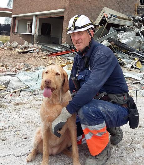 Zus de reddingshond speurt naar mensen in nood