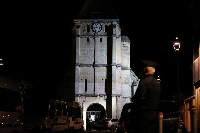 De kerk in Saint-Étienne-du-Rouvray, waar dinsdag een priester werd vermoord. Beeld afp