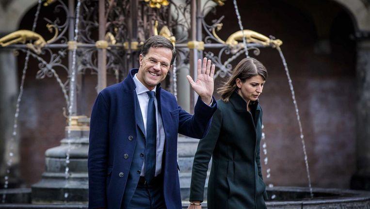 Premier Rutte met de derde Hermans in zijn directe omgeving, politiek adviseur Caroliene Beeld ANP