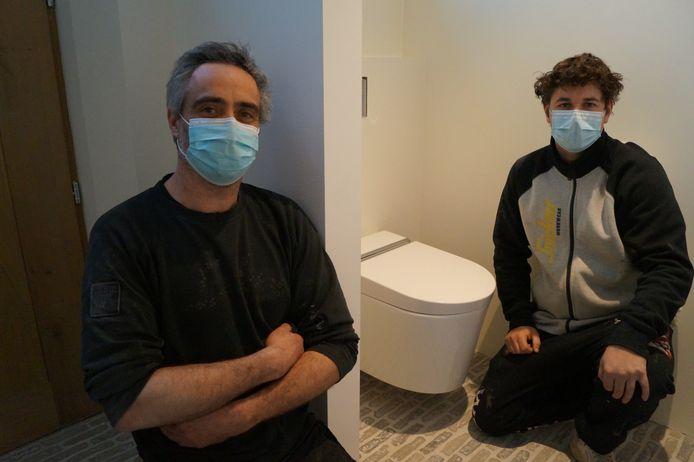 Alexander Deley en Steve Deloof zijn met 'Twalet' de exclusieve verdelers van Hygea-toiletten, met douchekop en föhn.