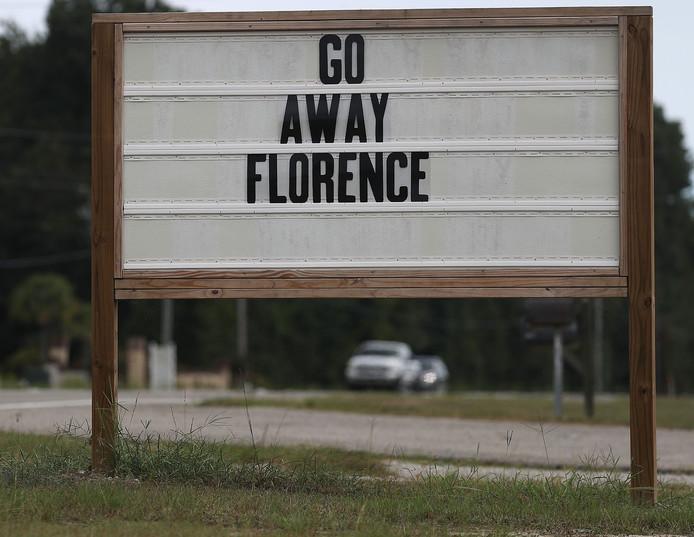 Het centrum van Florence ligt volgens het NHC nu zo'n 755 kilometer ten oost-zuidoosten van Myrtle Beach, waar ze niet zitten te wachten op het noodweer