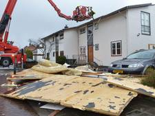Storm rukt compleet dak van Culemborgse woning