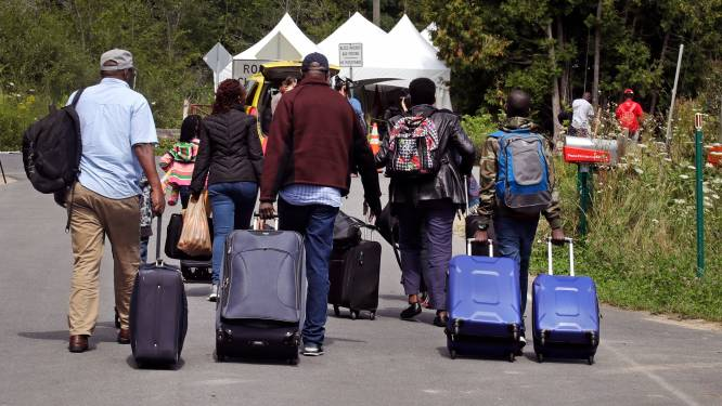 Canadees leger bouwt tentenkamp voor asielzoekers uit de Verenigde Staten