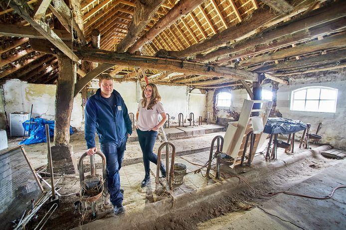 Rens en Michelle van den Akker gaan een monumentale boerderij in Veghel restaureren.