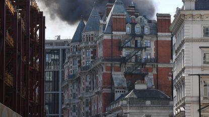 Week na grote renovatie: Londens luxehotel in lichterlaaie