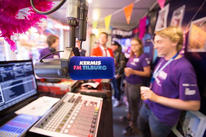 De radiostudio van Kermis FM.