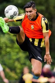 Vitesse oefent tegen Reading van Jaap Stam