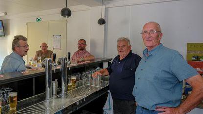 Klanten openen pop-up om twee weken zonder café te overbruggen