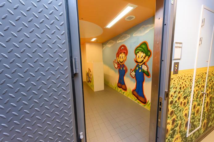 In het Politie Cellen Complex in Borne blijft de kindercel de komende tijd vaak leeg.