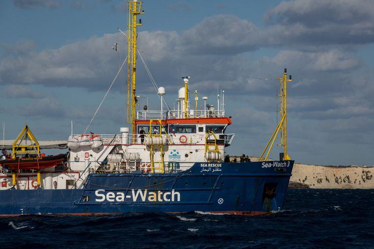 De Sea Watch 3 vaart niet langer onder Nederlandse vlag.  Beeld AFP