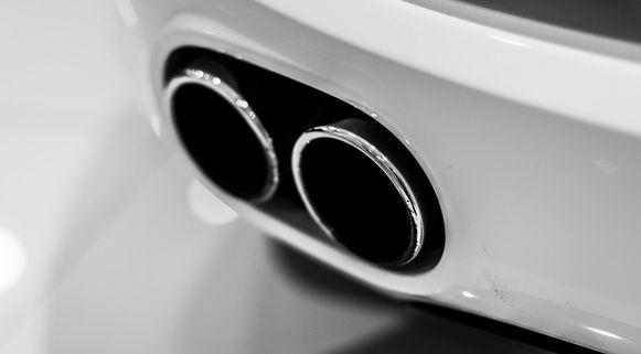 De EU heeft zichzelf tot doel gesteld de CO2-uitstoot tegen 2030 met 40 procent te reduceren. Volgens Denemarken moet de verkoop van benzine- en dieselauto's daarvoor in heel Europa aan banden worden gelegd.