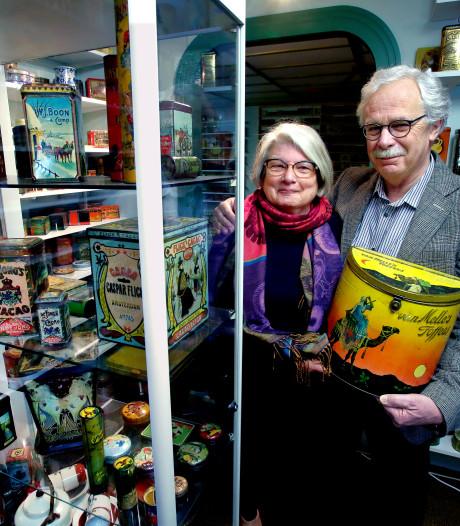 Peter en Jannie Stoutjesdijk wonen nu in het 'Blikkenmuseum'