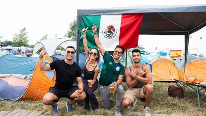 """38.000 kampeerders stromen toe op Tomorrowland: """"Een droom om hier eindelijk te zijn"""""""