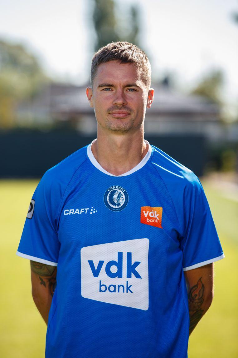 Gent strikt Zweeds international Mikael Lustig, die overkomt van Celtic