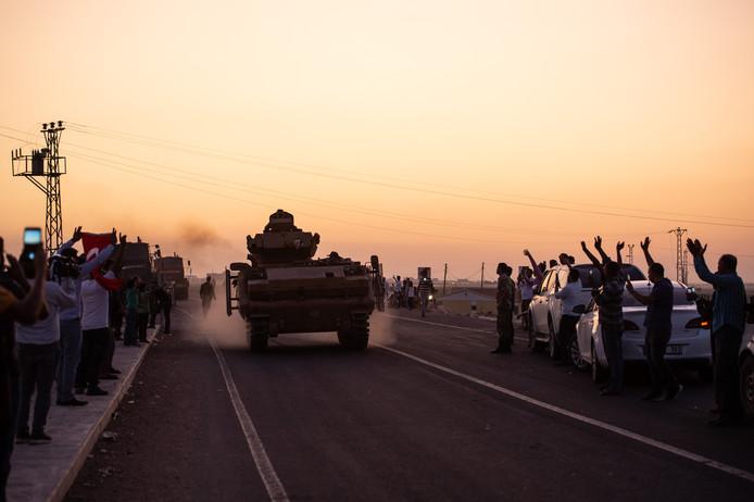 Turkse troepen in het grensgebied.