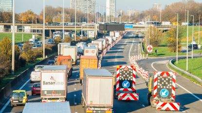 """Werken op Antwerpse ring van start: """"Ondanks vakantie spits als op normale werkdag"""""""