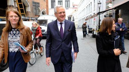 Peeters zit 2,5 uur samen met De Wever