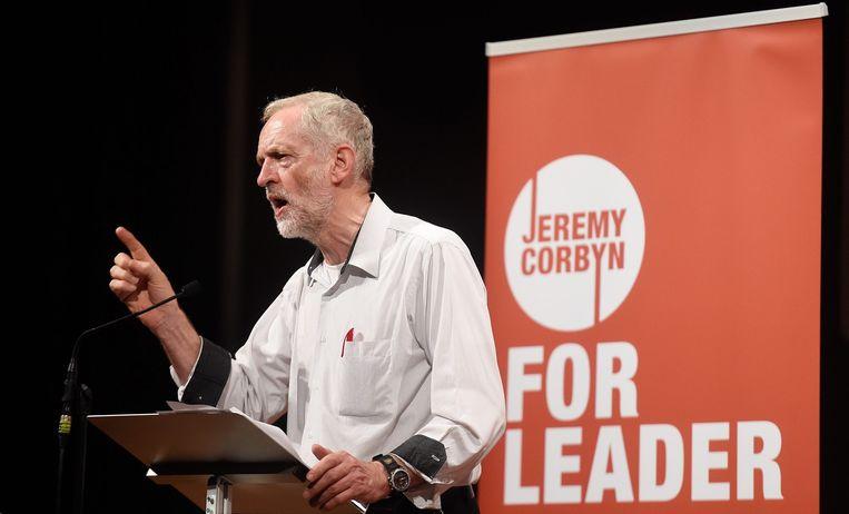 Jeremy Corbyn staat symbool voor pure en zuivere politiek en alle wijst erop dat hij de meeste kans maakt om de nieuwe leider te worden van de Labour Party. Beeld null