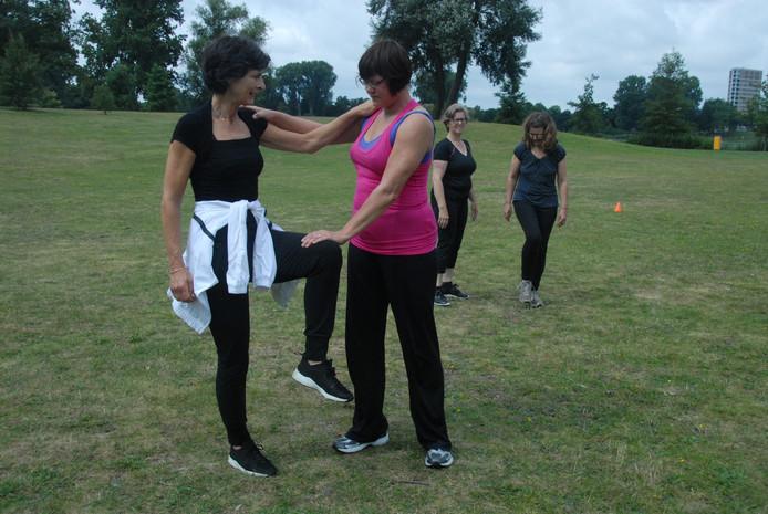 Kracht, lenigheid, balans, snelheid en uithoudingsvermogen vormden de vijf hoofdingrediënten van het bewegingsprogramma van Corine Vos.